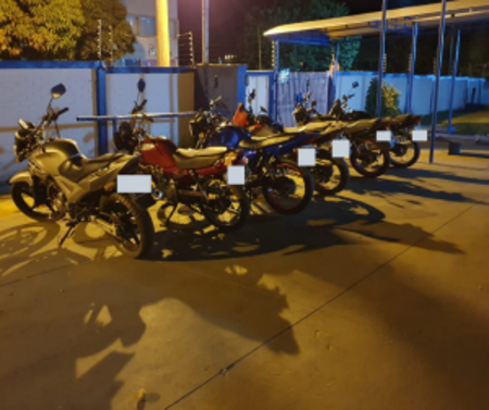 Left or right moto op 300x251